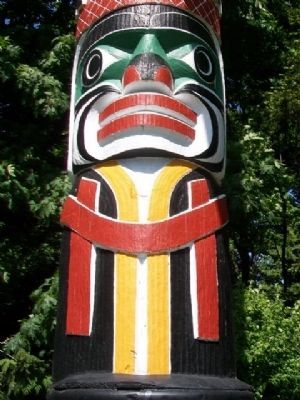 World's Tallest Totem Pole Detail image. Click for full size.