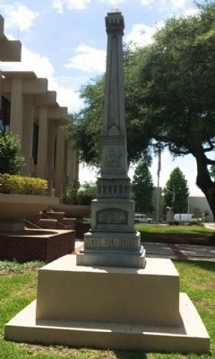 Confederate Soldiers Monument -East image. Click for full size.