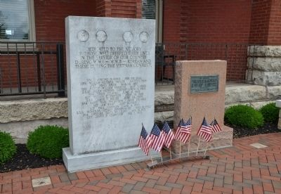 War Memorials in the Courthouse Square image. Click for full size.