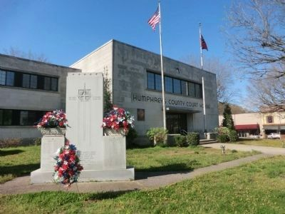Veterans Memorial-Humphreys County Courthouse image. Click for full size.