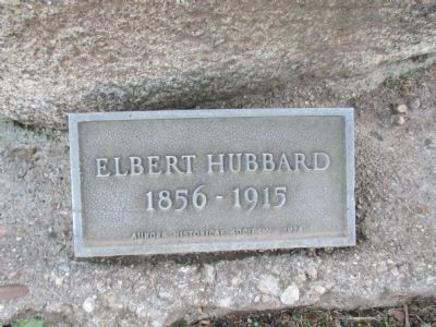 Elbert Hubbard Statue Plaque image. Click for full size.