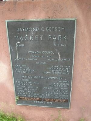 Packet Park Dedication plaque image. Click for full size.