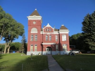 Piute County Courthouse image. Click for full size.