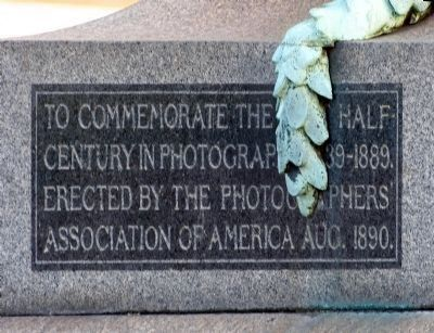 The Daguerre Monument Photo, Click for full size