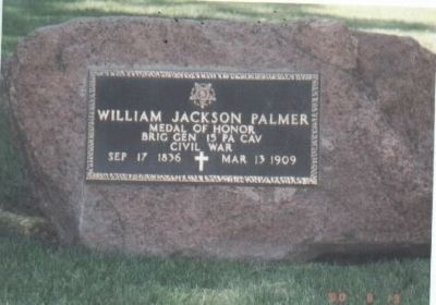 Gen. William J. Palmer Tombstone-Rear view (a boulder) image. Click for full size.