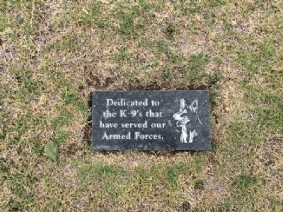 Armed Forces K-9 Memorial image. Click for full size.