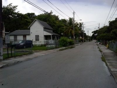 View of Charles Avenue looking west image. Click for full size.