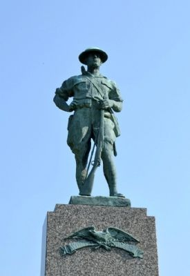 Detail of Statue on top of Memorial image. Click for full size.