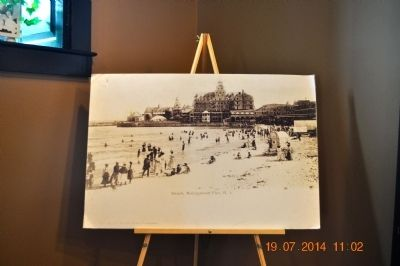 Beach, Narragansett Pier, R.I. image. Click for full size.