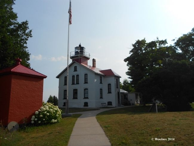 Grand Traverse Lighthouse image. Click for full size.