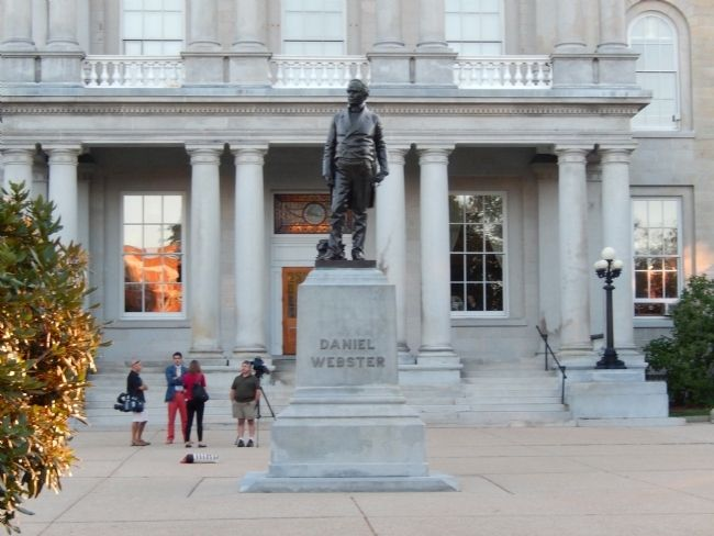 Daniel Webster Statue image. Click for full size.