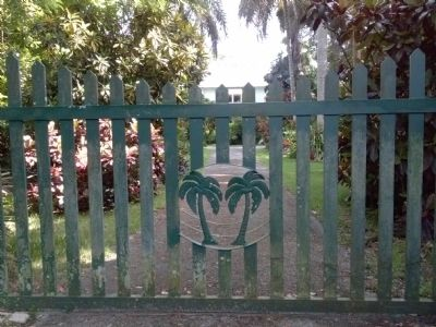 Palm Lodge Gate image. Click for full size.