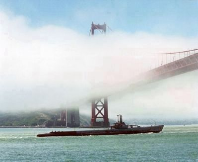 USS <i>Pampanito</i> (SS-383), under tow beneath the Golden Gate Bridge image. Click for full size.