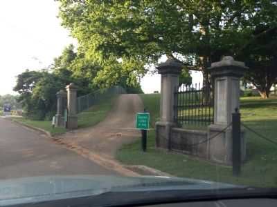 Riverview Cemetery Entrance image. Click for full size.
