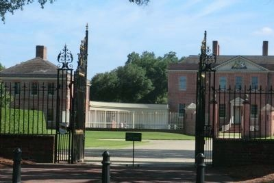 Tryon Palace entrance image. Click for full size.