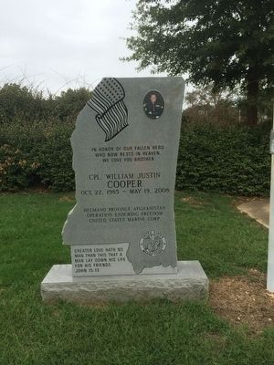 Closeup of memorial adjacent to marker. image. Click for full size.
