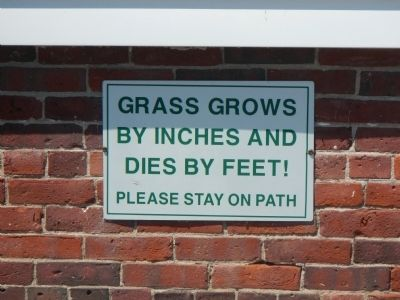 Humorous Sign image. Click for full size.