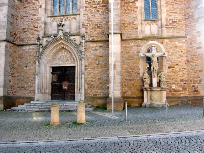 Church Entrance and Baroque Crucifixion image. Click for full size.