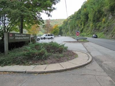 Kinzua Dam Sign and Parking image. Click for full size.