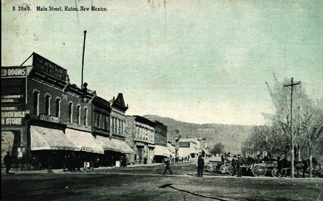 Main Street, Raton, New Mexico image. Click for full size.