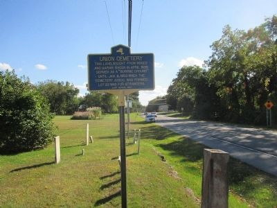 Union Cemetery Marker - Southward image. Click for full size.