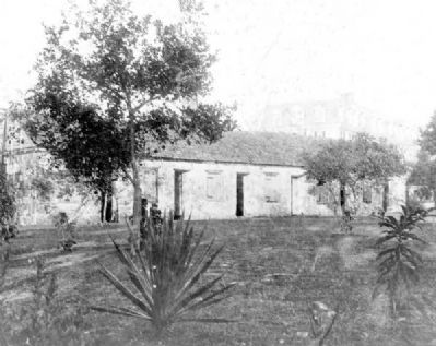 Barracks at Fort Dallas image. Click for full size.