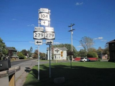 Crossroads Marker - Eastward image. Click for full size.