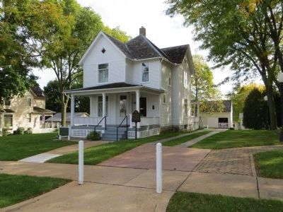Reagan's Boyhood Home image. Click for full size.