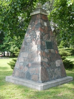 Monument in the United Empire Loyalist Burial Ground image. Click for full size.