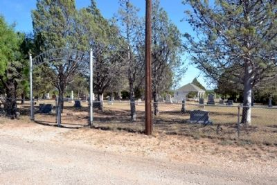 Round Mound Cemetery Entrance image. Click for full size.