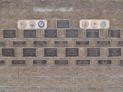 Veterans Memorial Wall Plaques image. Click for full size.