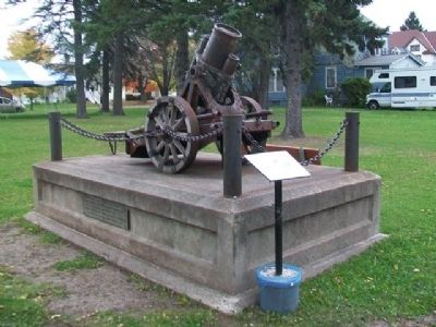 World War I German Cannon and Markers image. Click for full size.