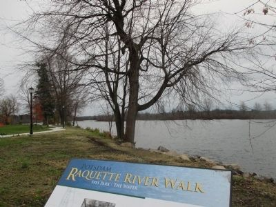 Southward - Marker and Raquette River image. Click for full size.