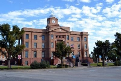 Jones County Courthouse image. Click for full size.