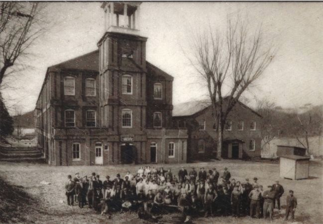 Workers circa 1914-1917 in front of the Laurel mill. image. Click for full size.