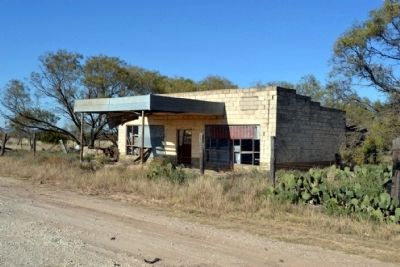 Abandoned Service Station on SH 153 image. Click for full size.