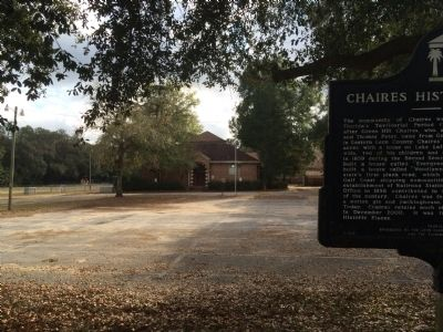 Old Chaires School & marker image. Click for full size.
