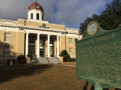 Gadsden County Courthouse & Veterans Memorial image. Click for full size.
