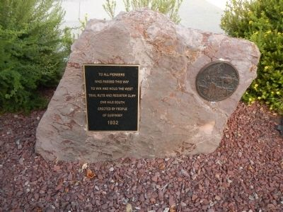 Oregon Trail Marker (modern replacement) image. Click for full size.