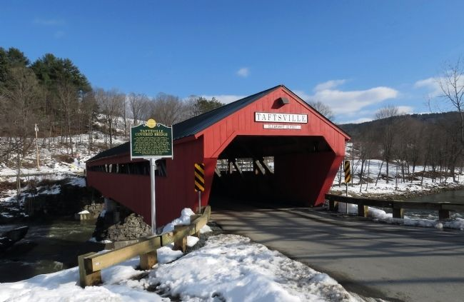 Wide view of the Taftsville Covered Bridge Marker image. Click for full size.