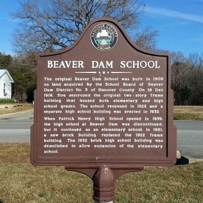 Beaver Dam School Marker image. Click for full size.