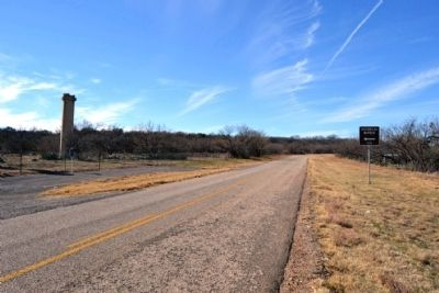 View to West Along FM 601 image. Click for full size.