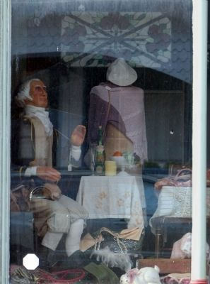 George Washington<br>Waves from the window<br>of the Cherry Tree Shoppe image. Click for full size.