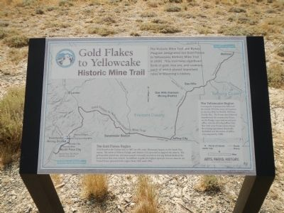 The Gold Flakes to Yellowcake Historic Mine Trail plaque image. Click for full size.