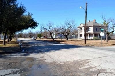 View to Northwest from Intersection<br>of N. 3rd St and Clinton St image. Click for full size.