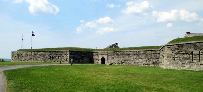 Fort Ontario image. Click for full size.