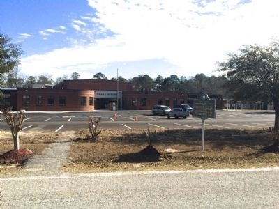 Clara Elementary School & marker image. Click for full size.