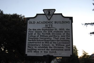 Old Academic Building Site Marker image. Click for full size.