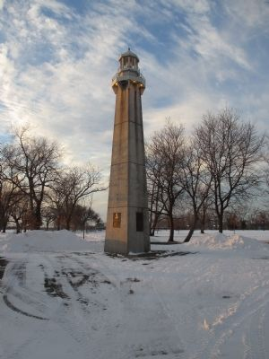 Lighthouse Style Memorial image. Click for full size.