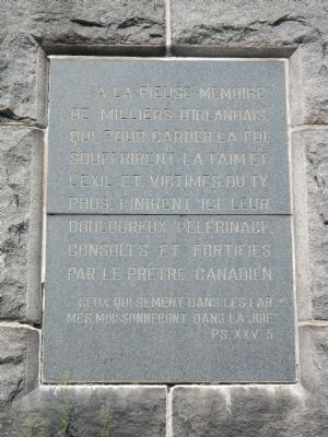 Memorial Tablet on the The Celtic Cross (French) image. Click for full size.